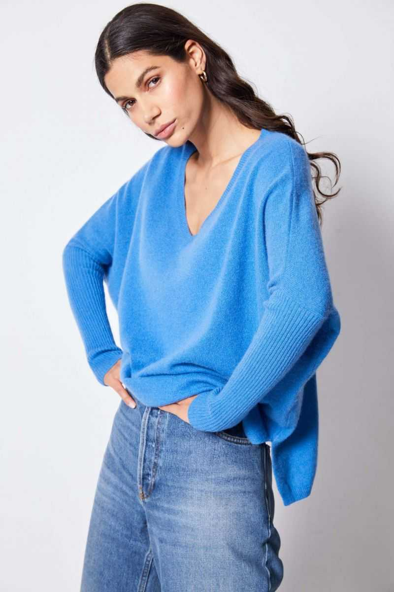 FAUSTINE Poncho Jumper